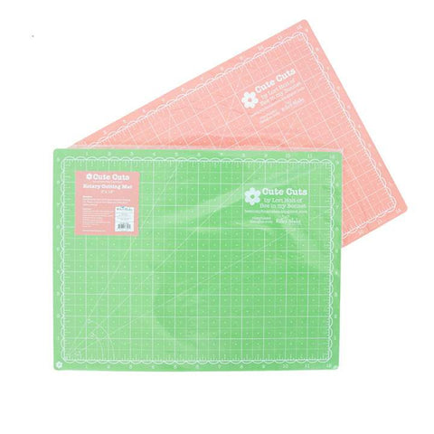 "Cutting Mat, 9"" x 12"" Lori Holt Cute Cuts Reversible (Riley Green & Lipstick)"
