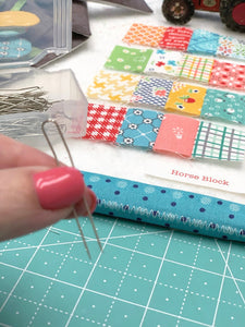 Pretty Double Pins, By Lori Holt - 50 Count