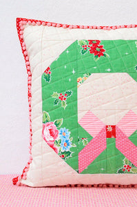 Pattern, Tis The Season Pillow Cover / MINI Quilt by Ellis & Higgs  (digital download)