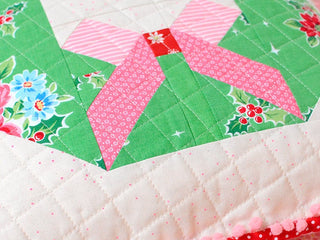 Load image into Gallery viewer, Pattern, Tis The Season Pillow Cover / MINI Quilt by Ellis & Higgs  (digital download)