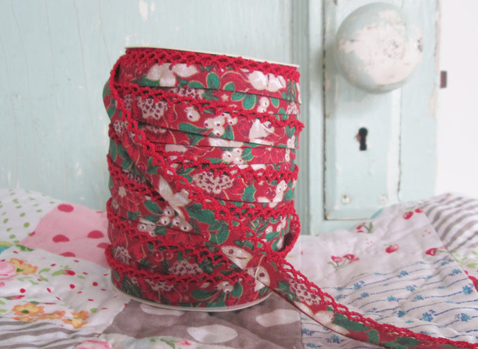 Double Fold Crochet Edge LACE BIAS TAPE - RED CHRISTMAS  (SOLD BY THE YARD)