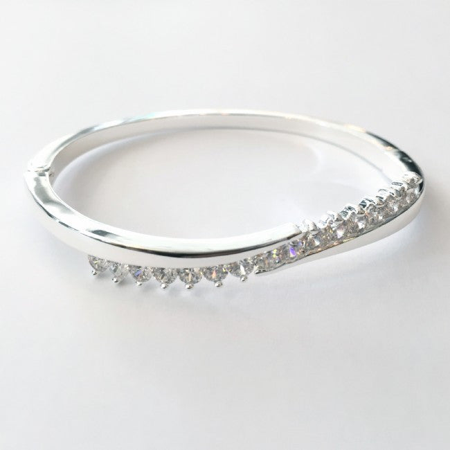 Hinged Bangle in Silver