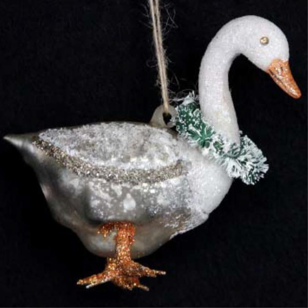 Goose with Wreath Decoration