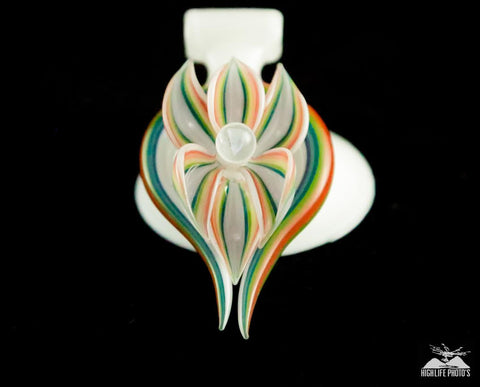 Sven Green Flower Pendant
