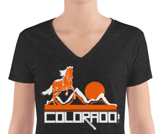Colorado Hill Horse Women's Fashion Deep V-neck Tee