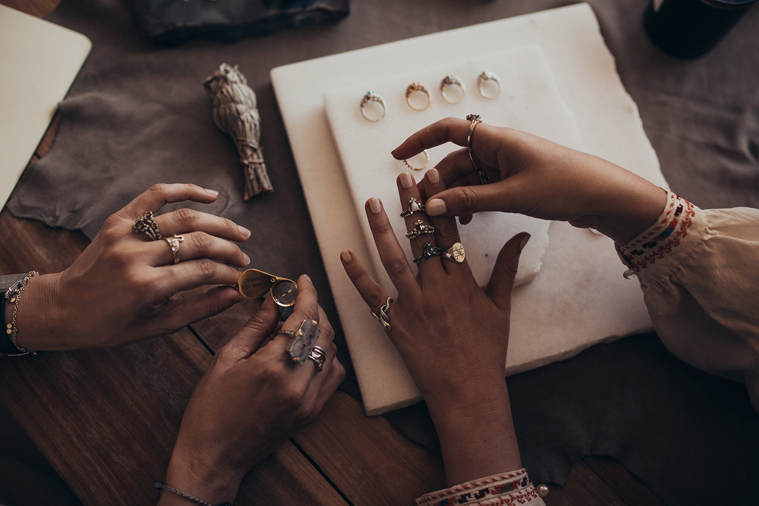 Maniamania fine jewellery Request An Appointment