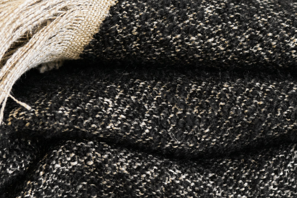 WINTERS THROW BLANKET - NATURAL & BLACK