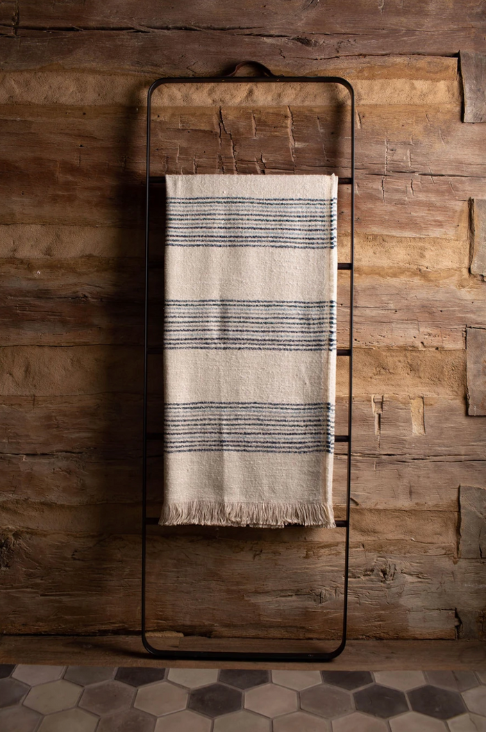 DALI THROW BLANKET - NATURAL & NAVY