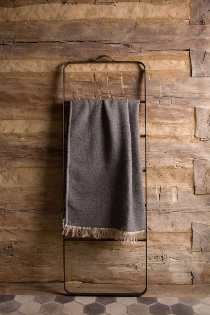 ALPACA/LINEN THROW DARK GREY