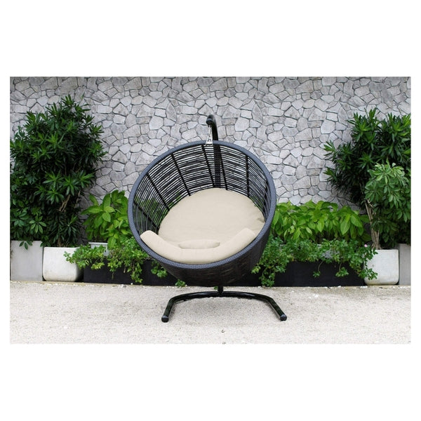 Hamilton round hanging chair the wicker man for Round hanging daybed