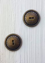 Metal round buttons