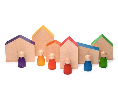 Grapat Wooden Houses and Nins Peg People