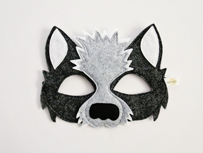 Opposite of Far Wolf Mask