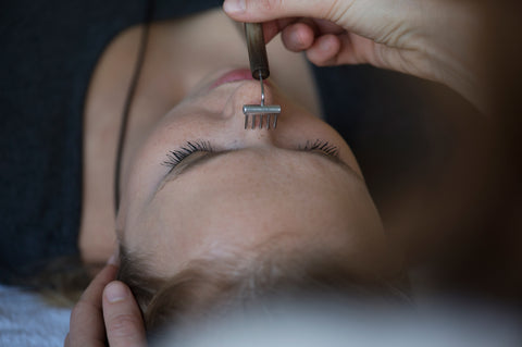 facial reflexology small rake thyroid treatment