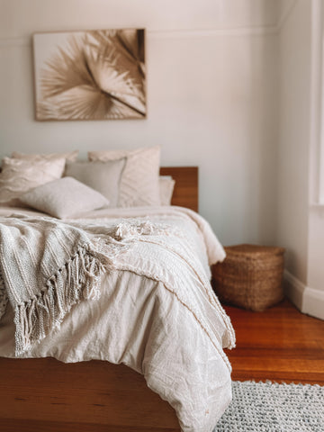 Neutral bedding and cushions