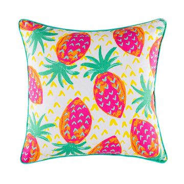 WILD STRAWBERRIES MULTI SQUARE CUSHION