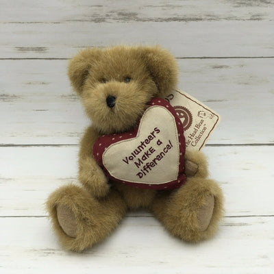 Boyds Bears Plush J.B. Bigheart Volunteers Make a Difference! #903307 - Piglet's Closet