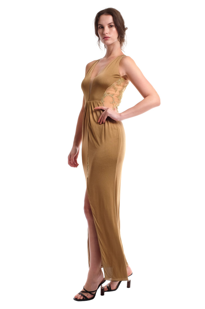 Scarlet Gown (Gold)