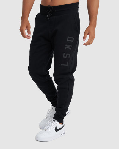 Structure Trackpant - Black-Black