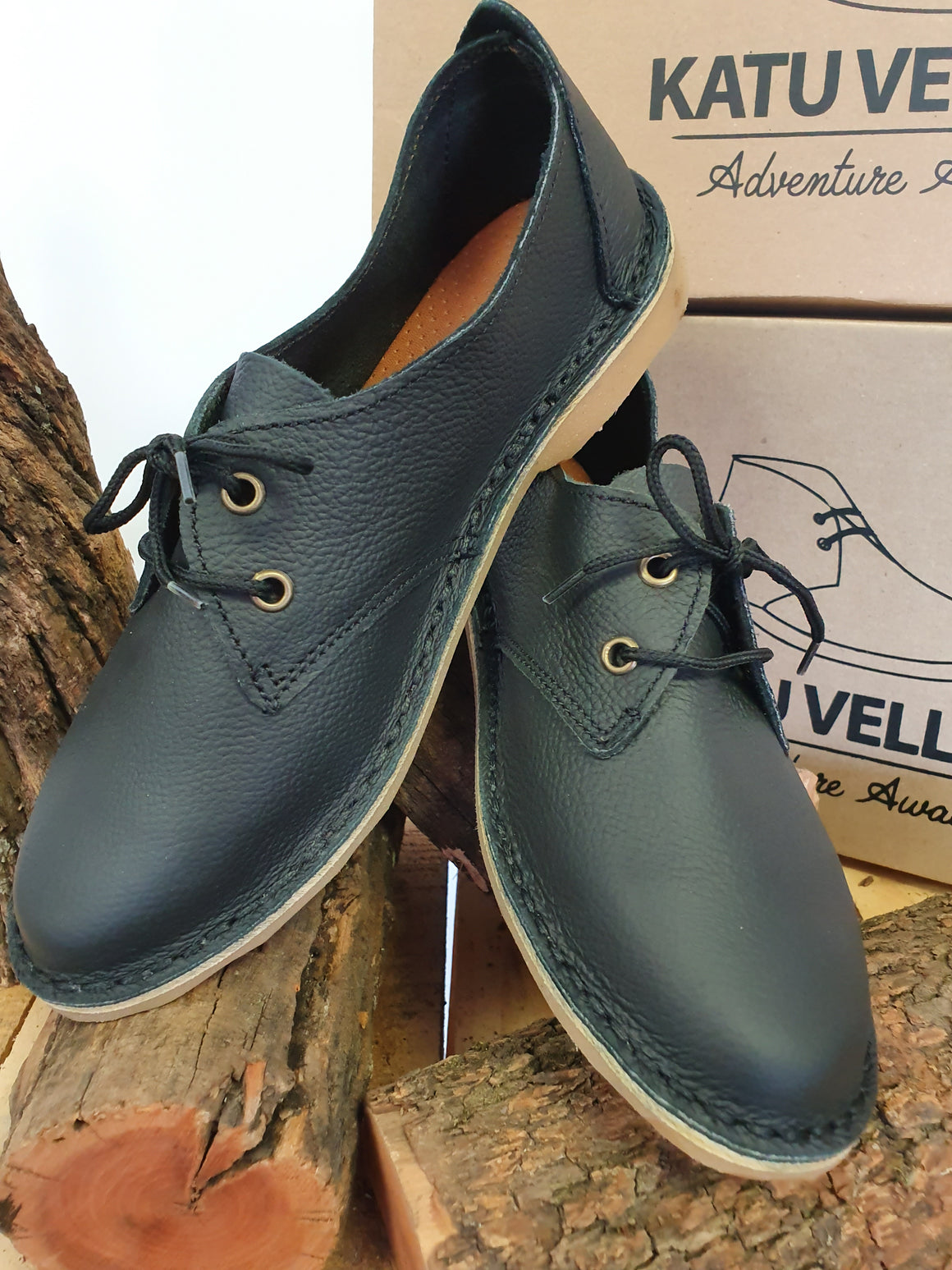 Daisy Black Vellies