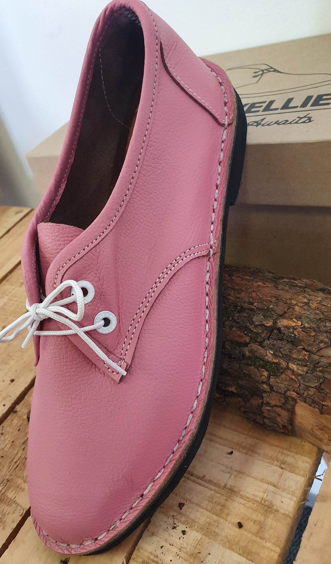 Ladies Pink Vellies