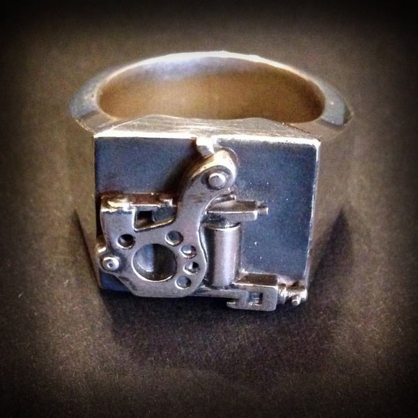 Tattoo Machine Signet Ring (Microdial)