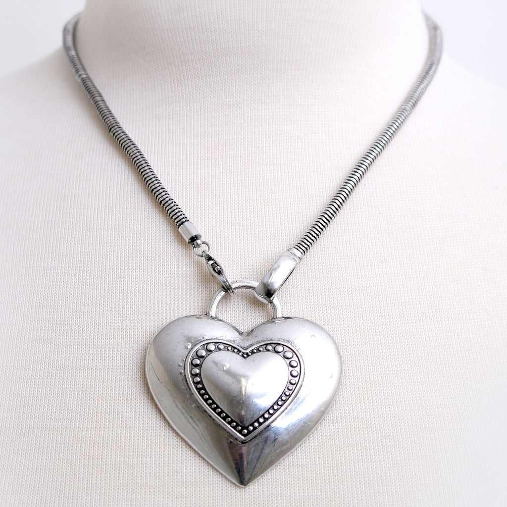 Polished Metal Patterned Heart Necklace