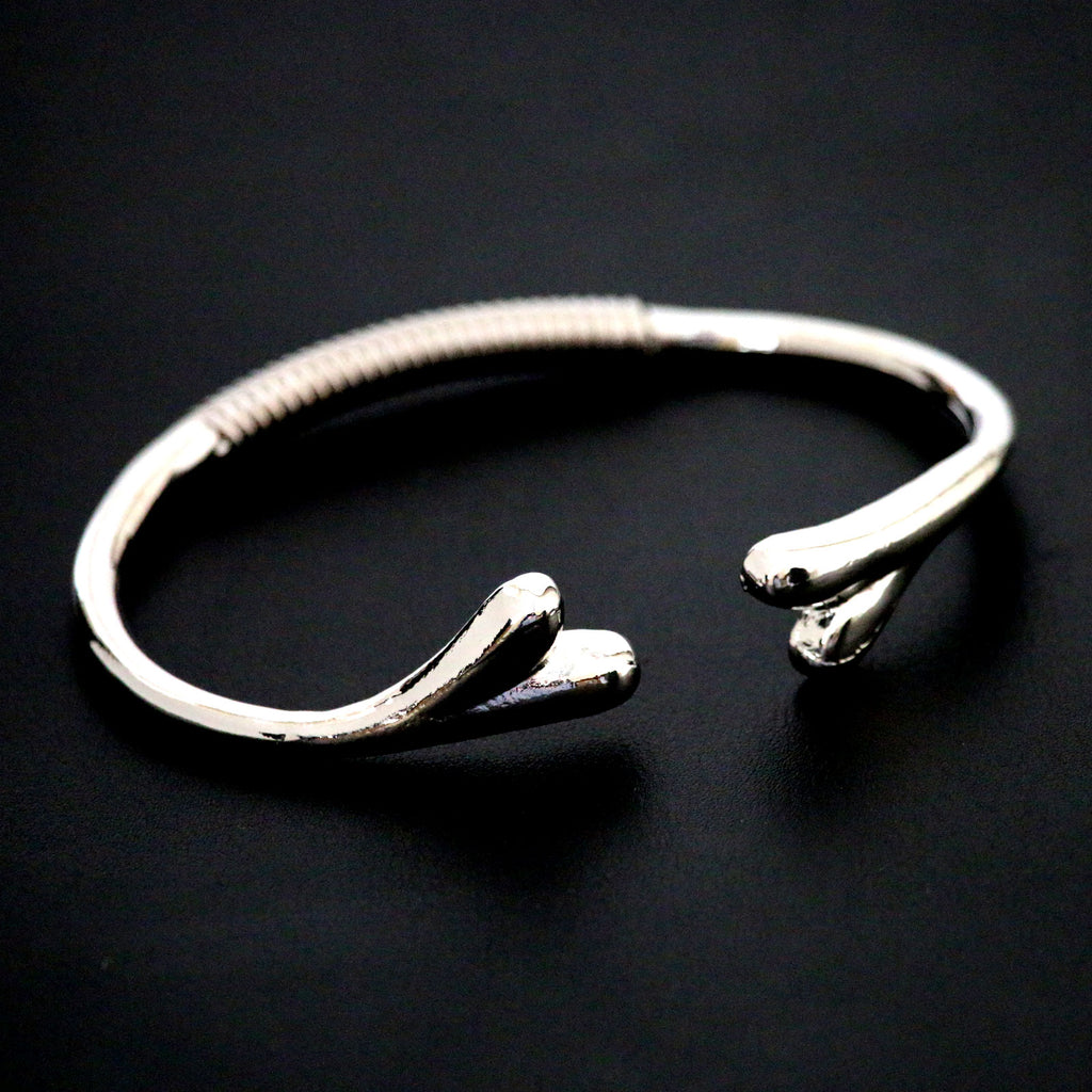 Bangle with heart design