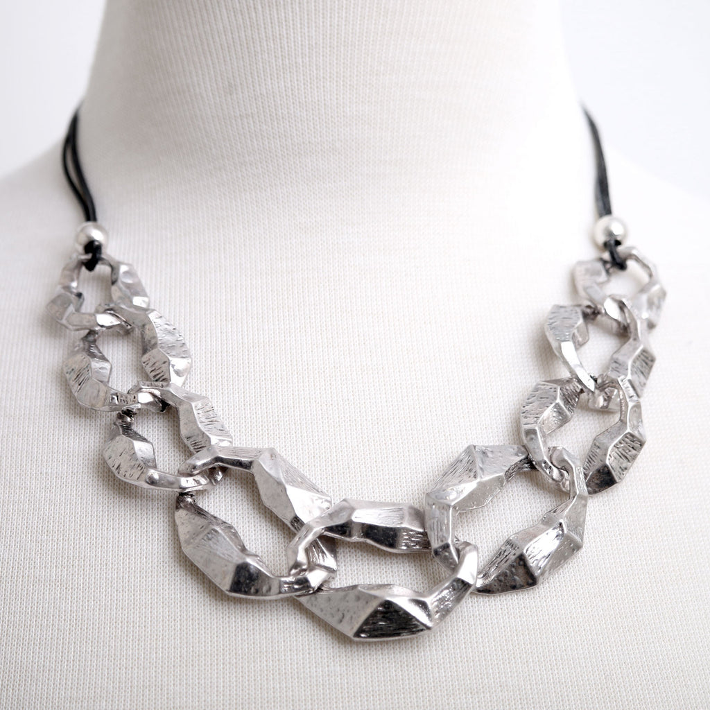 Hammered metal Links Necklace