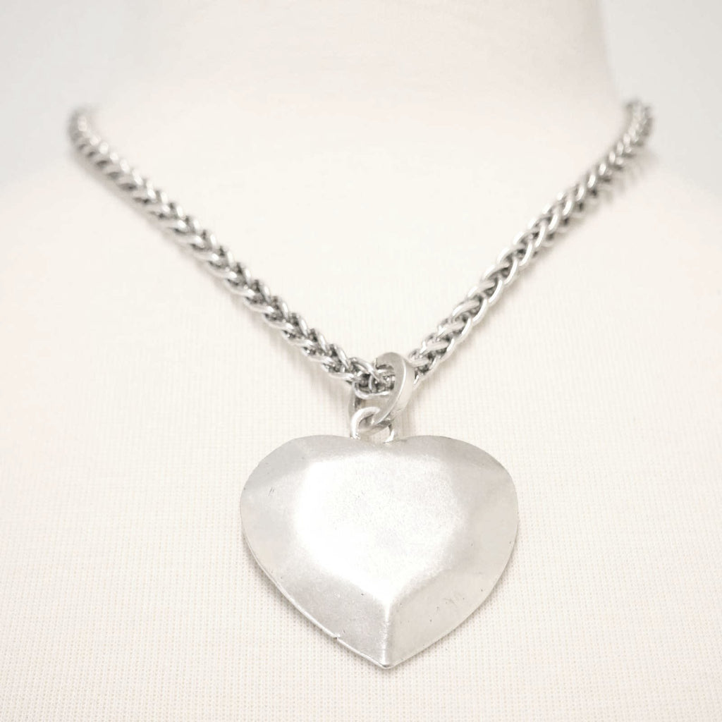 Chunky metal short statement heart pendant necklace