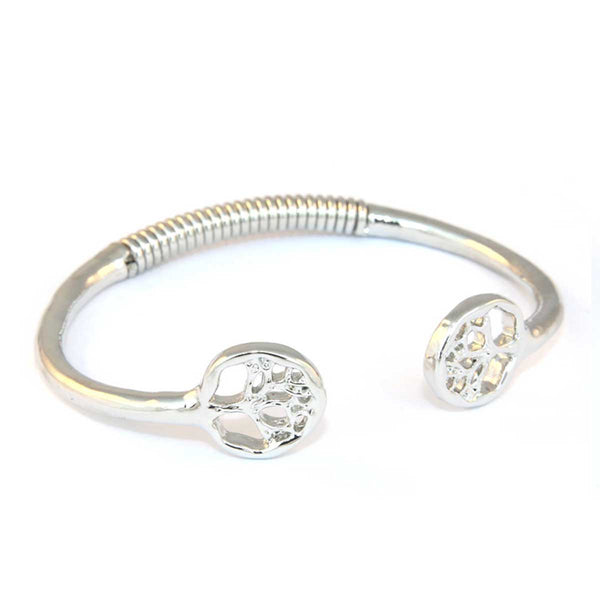 Semi spring loaded bangle with tree design