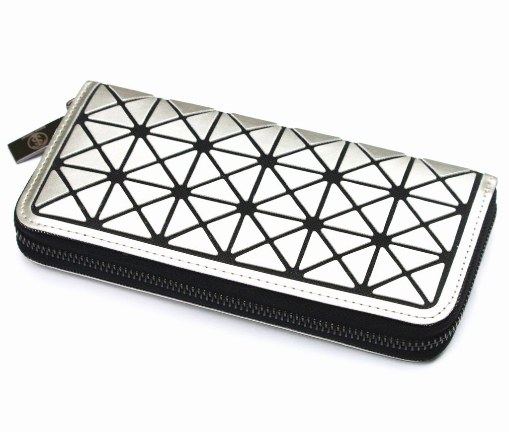 Triangle resin ladies silver purse by Sarah Tempest.