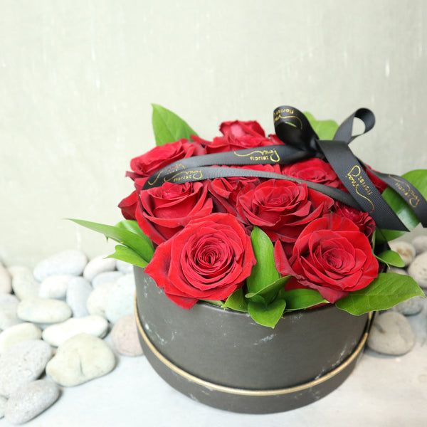 Red Roses Hatbox