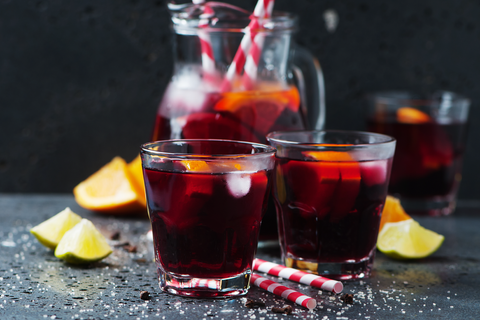 Peach and red wine sangria