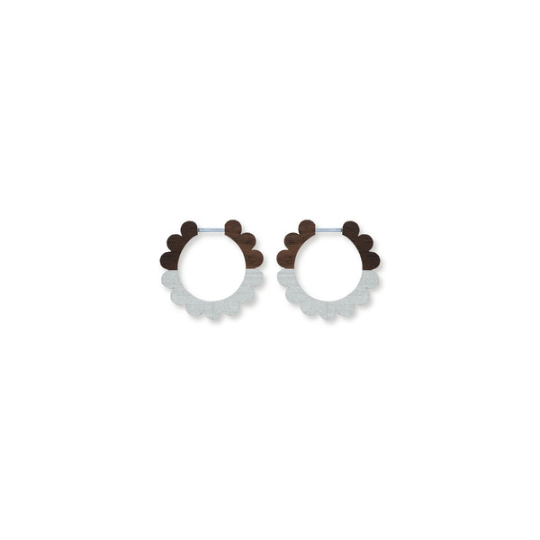 PETITE SCALLOPED HOOPS