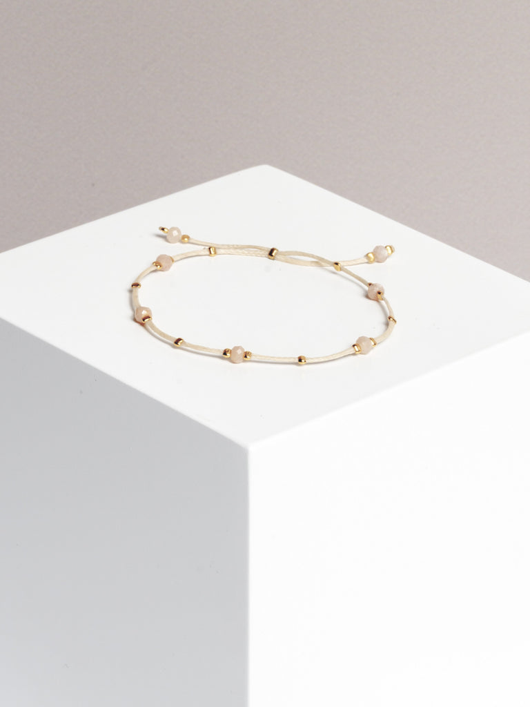 bracelet - CRYSTAL DOTS - peach moonstone - collab zürich