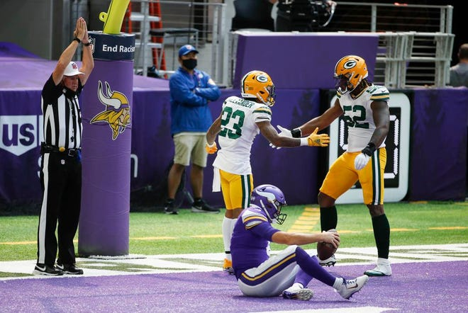 Packers Dominate Defenseless Vikings