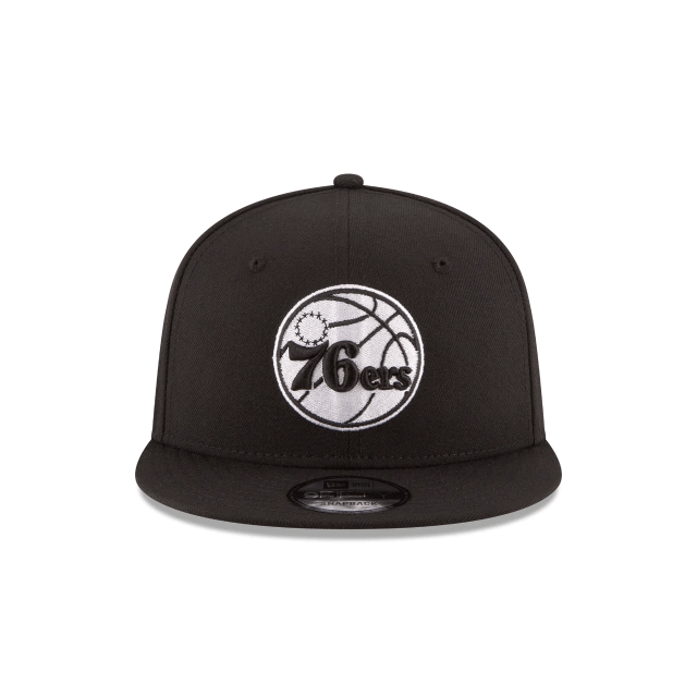 New Era Hats One Size / Black Philadelphia 76ers New Era Black & White Logo 9FIFTY Adjustable Snapback Hat - Black
