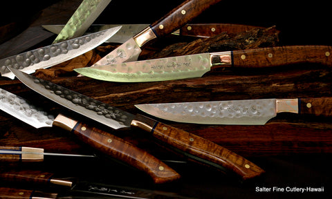 Hammered steak knife blades with VG10 stainless handforged steel