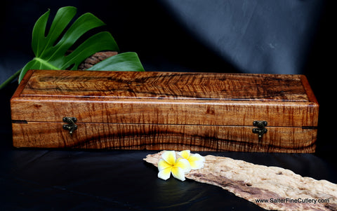 Presentation box handcrafted by Salter Fine Cutlery in Hawaii to hold 12-piece Cattlemans style luxury steak knife set