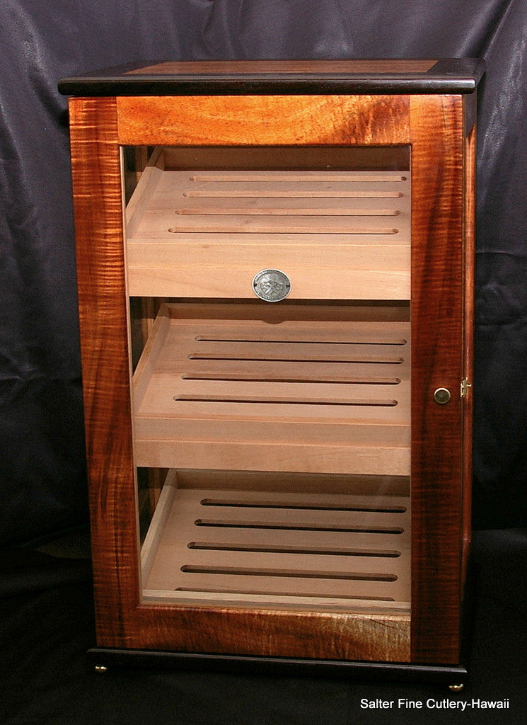 Large display humidor with three removable trays handcrafted in Hawaii by Salter Fine Cutlery
