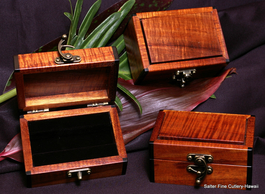 Mini keepsake boxes with interior black velvet lined sections to hold pocket knives