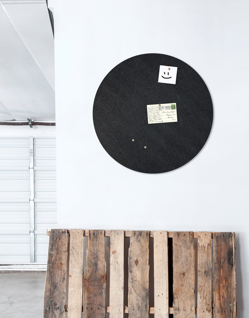 Circle Pinboard, Large in Black