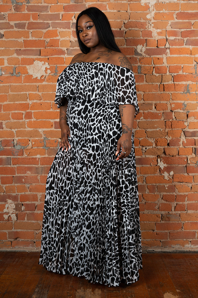 "Plus Size ""Maxine"" Off Shoulder Maxi Dress - Black White"