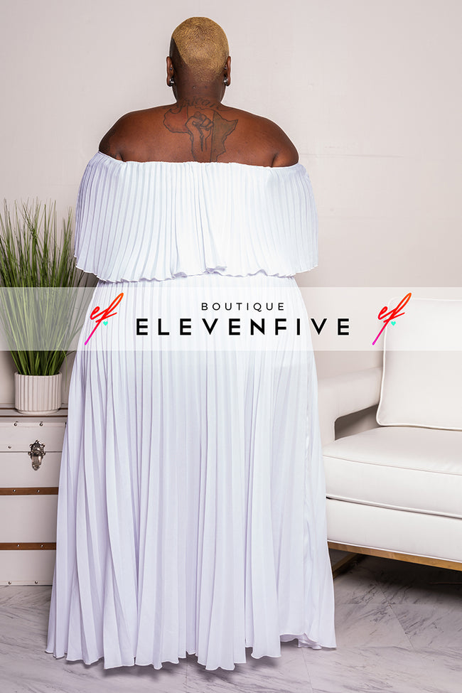 "Plus Size ""Maxed Out"" Off Shoulder Maxi Dress - White"