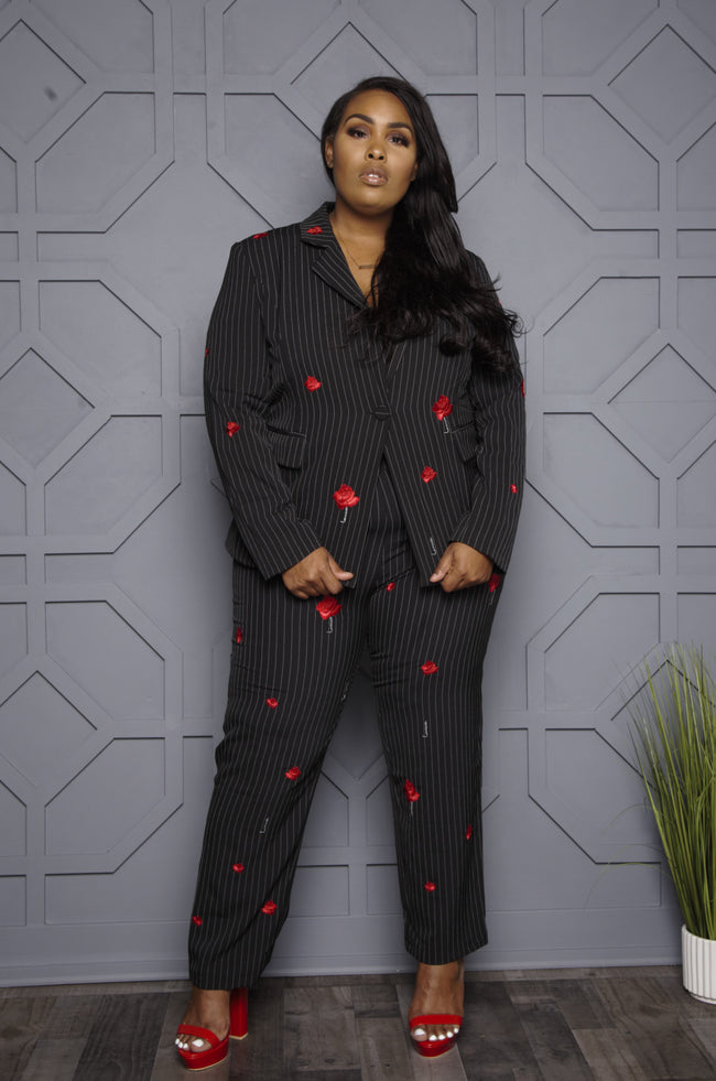 "Plus Size ""Roses Are Red"" Pant Suit - Black"