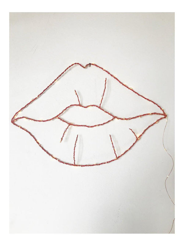 Zoé Rumeau Lips shape light - 1love2hugs3kisses Ibiza