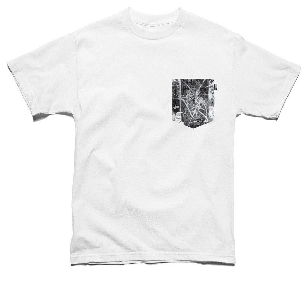 <!--2014042211-->The Seventh Letter - 'War Of Words (Pocket Tee)' [(White) T-Shirt]