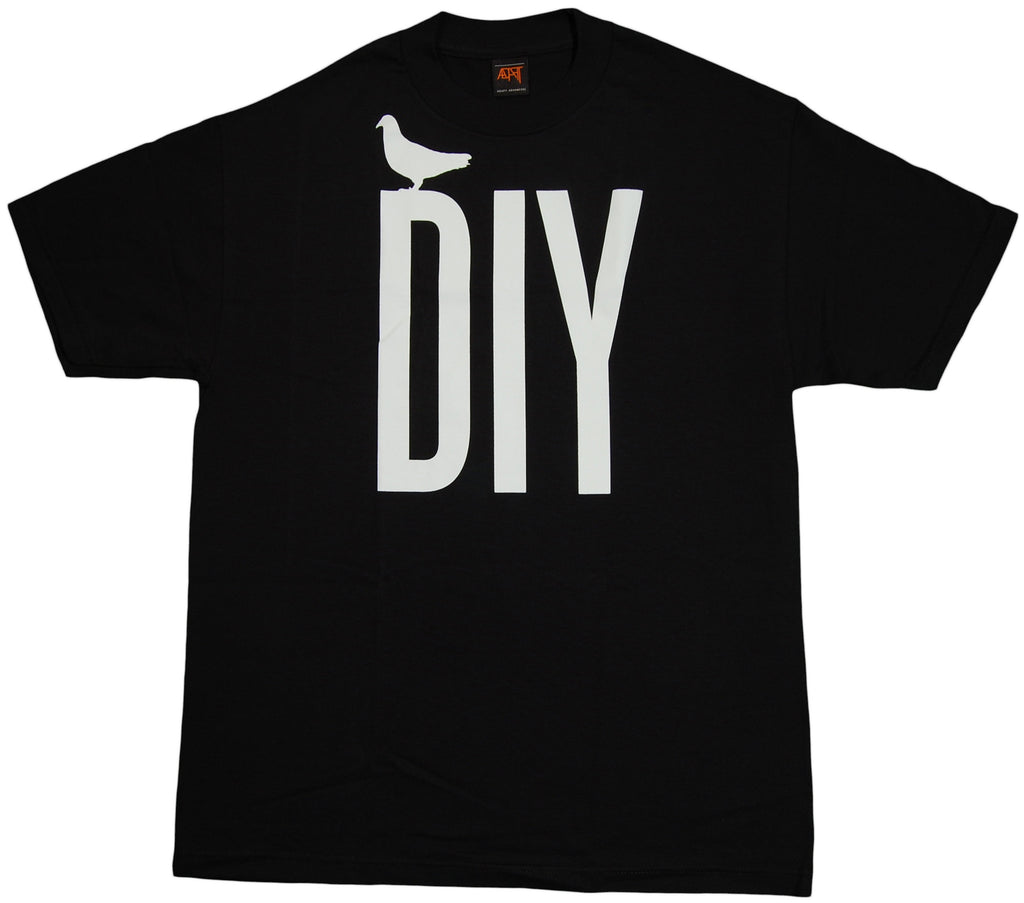 <!--2011092727-->Adapt - 'DIY' [(Black) T-Shirt]