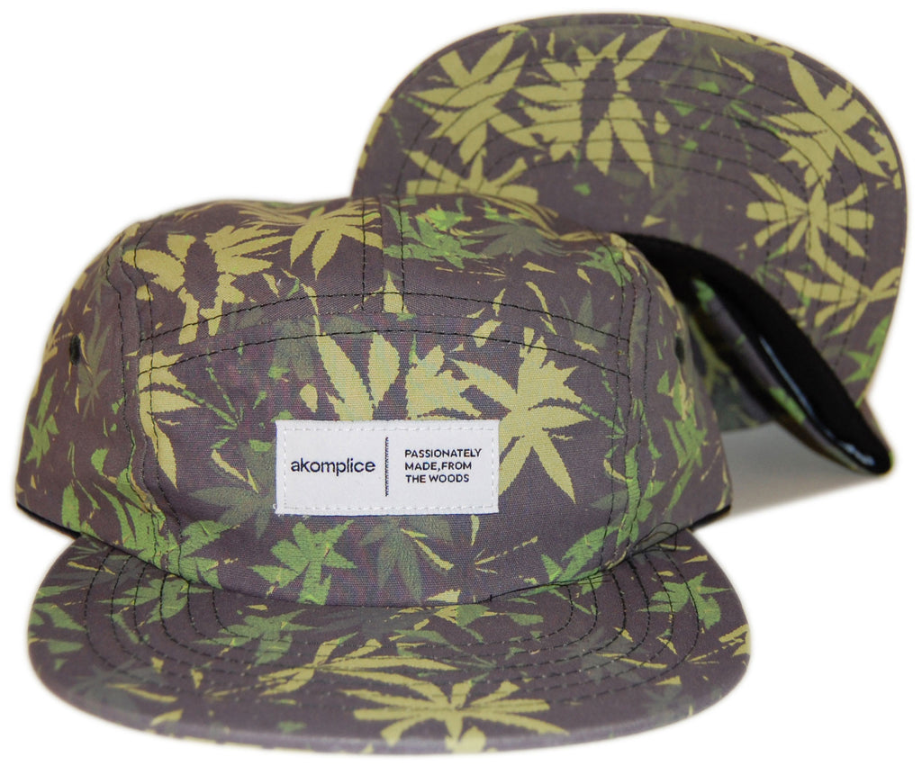 <!--2013061837-->Akomplice - 'Weed Camo' [(Dark Green) Five Panel Camper Hat]